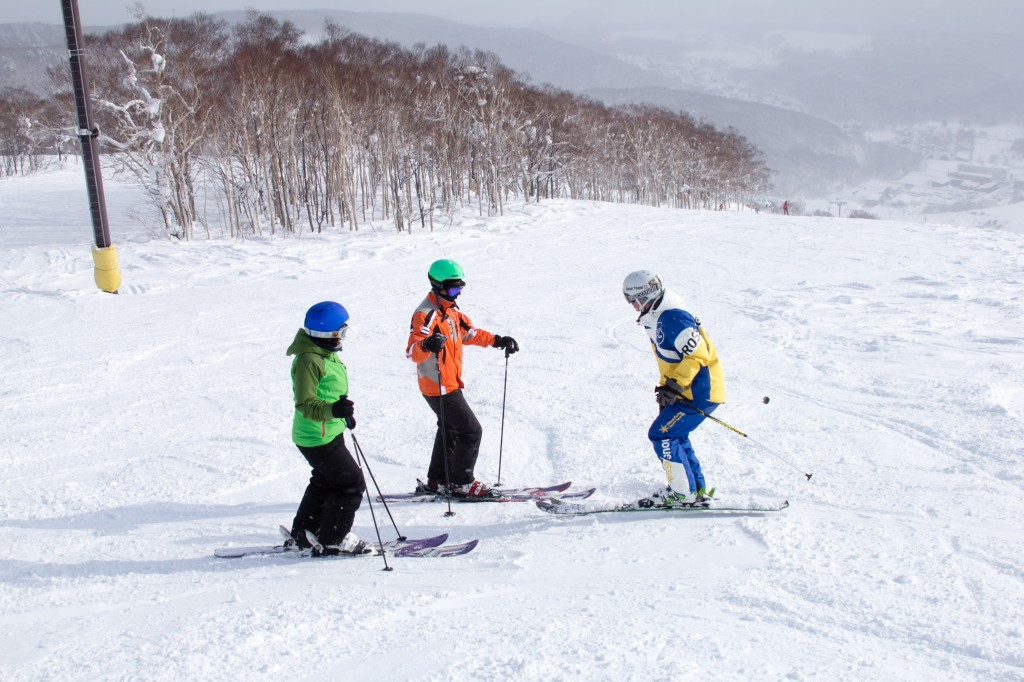 niseko ski school fast fun ski lesson